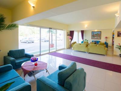 Hotel CARAIMAN / VOILA